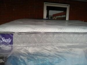 Brand NEW QUeen size TEMPURPEDIC mattresses with BOX SPRING