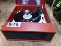Vintage retro 1960s Fidelity suitcase Record Player, in working order.