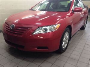 2007 Toyota Camry LE *ACCIDENT FREE - LOW KM - W/ WINTER TIRES*