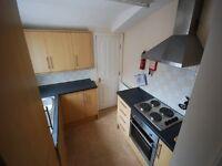 4 bedroom flat in Simonside Terrace, Heaton, Newcastle Upon Tyne, NE6