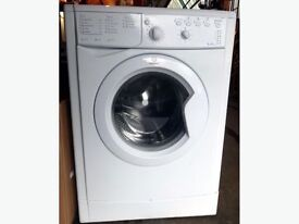 Indesit washing machine fully working very reliable can deliver with warranty immaculate