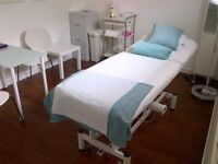 Room to rent, suit beauty, therapies, clinical professionals. Near STV studios.