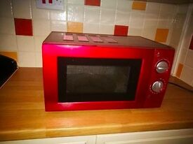 Classic microwave- almost NEW