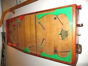 VINTAGE TABLE HOCKEY GAME... Circa 1947
