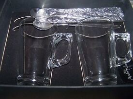 Andrew James 2 Latte Glasses and spoons. Boxed. Good condition