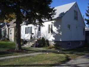 3BR/1B- Oct 1 inc. Utils. Perfect for Students!