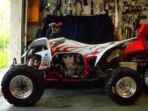 Yamaha yfz450 mint condition lots of upgrades needs nothing neve