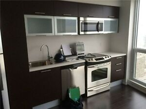 1 Bedroom condo for Rent downtown Aura