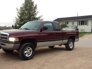 2001 Dodge Ram 1500 4x4 with safety