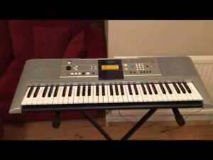 Yahama PSR-E323 Keyboard in very good condition.