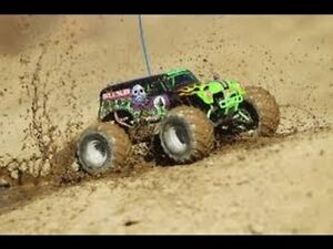 Traxxas 1/16 Grave Digger 4x4 - BNIB with LED Light Kit