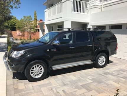 PRICE REDUCED TO SELL!!!!!!      2011 Toyota Hilux SR5