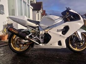 GSXR 1000 K1 TRACK ROAD BIKE MASSIVE SPEC WITH V5