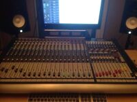 Soundcraft Gb8 16 + 4 Stereo Channel Mixing Desk