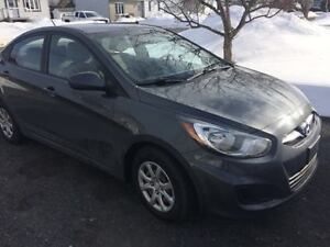 2012 Hyundai Accent Hitch Berline