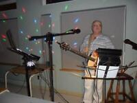 Available for Xmas parties, and new years booking one man band