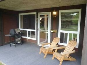 BEAUTIFUL South West - 2 Bedroom - Ravine Access - Avail NOW! Edmonton Edmonton Area image 2
