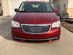 2011 Chrysler town & Country (REDUCED!!)