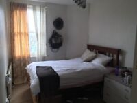 Room in a central location overlooking Bristol