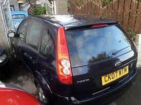 ideal family car, ford fiesta 1.4 zetec climate, 5 door.