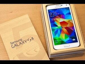 Samsung Galaxy S5 White with box and accessories