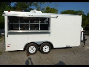 LIKE NEW! PORTABLE KITCHEN / CHIP TRUCK FOR SALE = $35 000  BALA