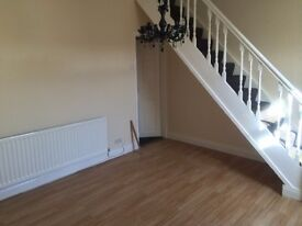 lovely 3 bed house for rent £400 PCM ***no fees & first two weeks rent free- new year new home*****