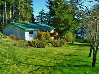 Beautiful Vacation Home in Alert Bay - Pilots: 3000' Air Strip!