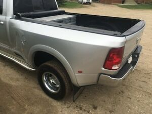 Dodge dually truck box in GREAT shape