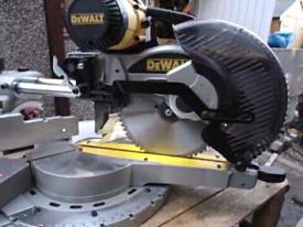 DEWALT DW717XPS heavy duty Sliding compound mitre saw