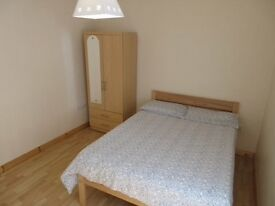 Single student bedrooms Large Double Beds Free Wifi Houses Close To Queens & UUJ Bus Links View Now