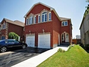 Semi-Detached house for Sale in Brampton