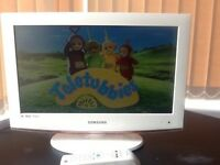 Samsung 19 inch LCD TV with FREEVIEW