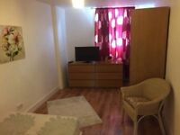 Lovely Double in Peckham Room in with smart tv