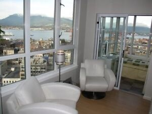 Modern, Furnished PENTHOUSE: Magnificent Location and View 3 Br