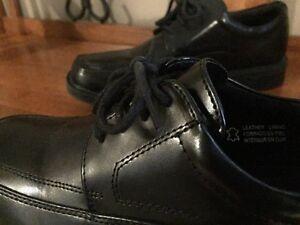 Dress  shoes (used once) Cambridge Kitchener Area image 3