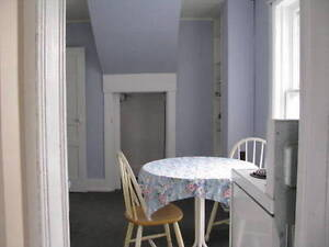 GREAT ROOM IN A GREAT LOCATION !!!!!! Peterborough Peterborough Area image 3
