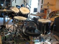 PRO DRUMMER AVAILABLE FOR YOUR RECORDING / STUDIO PROJECT