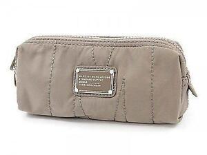 ebc7a2a33687 Marc Jacobs Women s Handbags and Purses for sale