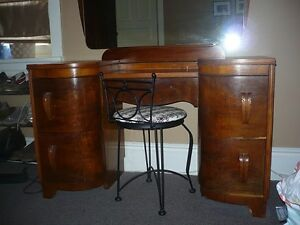 Antique Make-up Table Cambridge Kitchener Area image 1