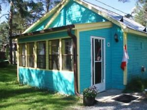 DELUXE BLUE COTTAGE!DON'T MISS OUT !!!