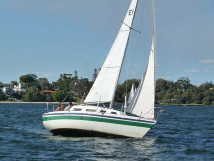 MB 24 yacht Innaloo Stirling Area Preview