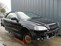 astra convertible 2.0l 26,000 miles breaking for spares.