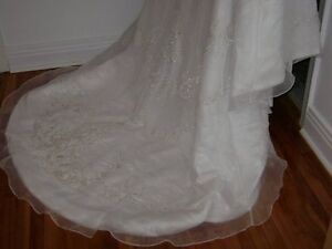 Excellent Condition - Brand New Wedding Dress-Never Worn!!! West Island Greater Montréal image 5