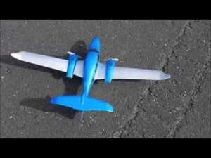 RC Plane - Easy to Fly - 3-axis gyros - 548mm Wingspan - RTF