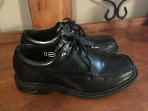 Dress  shoes (used once)