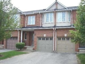 Cozy 3 Bedroom Townhouse for rent at Warden & Hwy 7, Markham