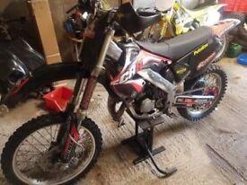 Cr125 2001 £1100