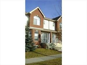 3 Bed 2.5 Bath Double Garage Terwillegar Townhouse Pet Friendly