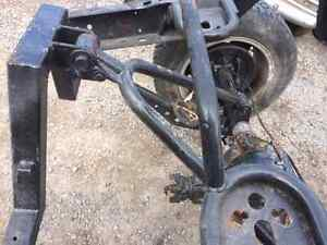Rear differential and rear frame off of a air bagged S-10 West Island Greater Montréal image 1